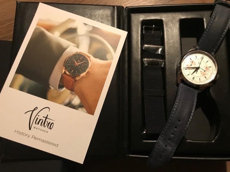 Verpackung einer Uhr Vitro